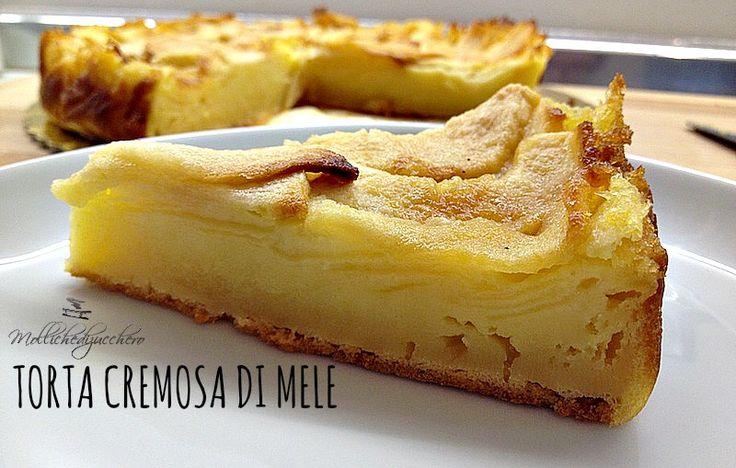 La torta cremosa di mele è un dolce semplice e morbidissimo, con una consistenza cremosa che si scioglie in bocca al primo assaggio.