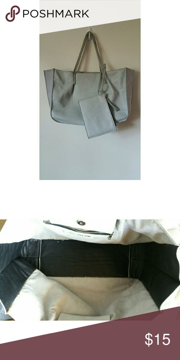 Light grey tote bag. Spacious grey tote bag. Comes with coin purse. Bags Totes