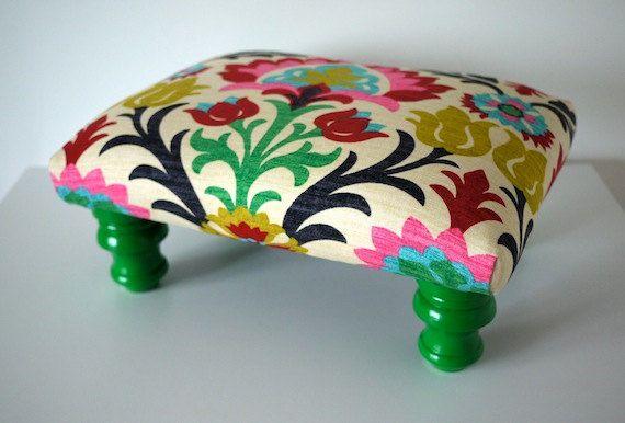 Colorful Rainbow Damask Footstool Ottoman par MendEtc sur Etsy, $145.00