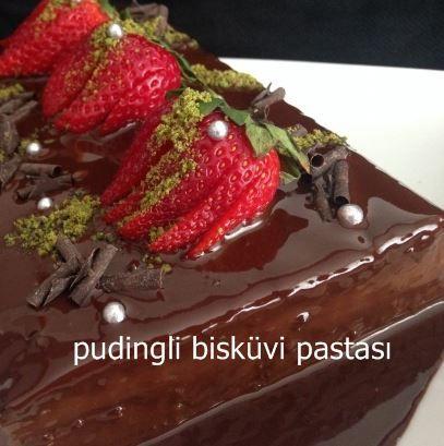 Pudingli bisküvi pastası çok pratik bir pasta. Pudingli bisküvi pastası sadece üç malzeme ile hazırlanabilen, tatlı krizine anında son veren bir pasta. Denemelisiniz. #pasta #tarifi #tarifler