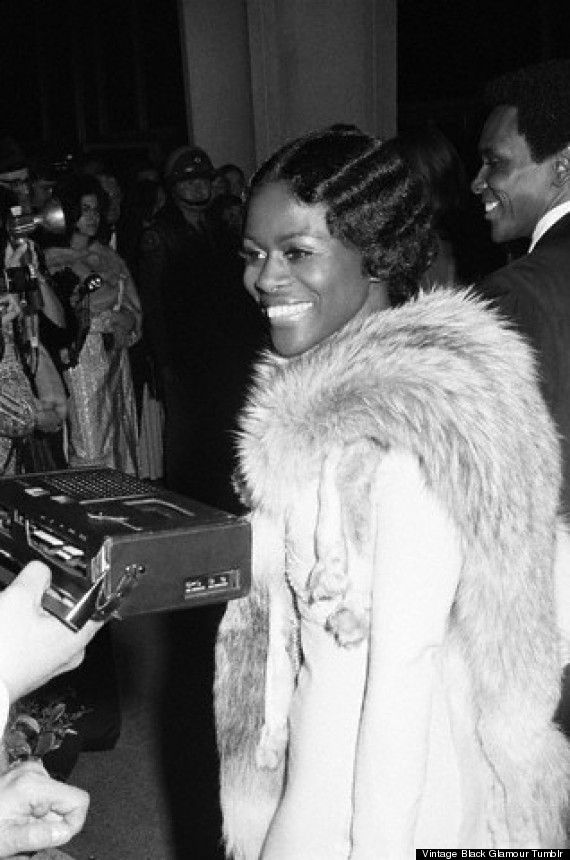 Cicely Tyson answers a reporter's questions on the red carpet as she arrives at the #Oscars on March 27, 1973. Ms. Tyson was nominated in th...