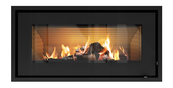 This #widescreen #fireplace from #RAIS makes an cozy atmosphere in your #home. #RAIS900 #brændeovn