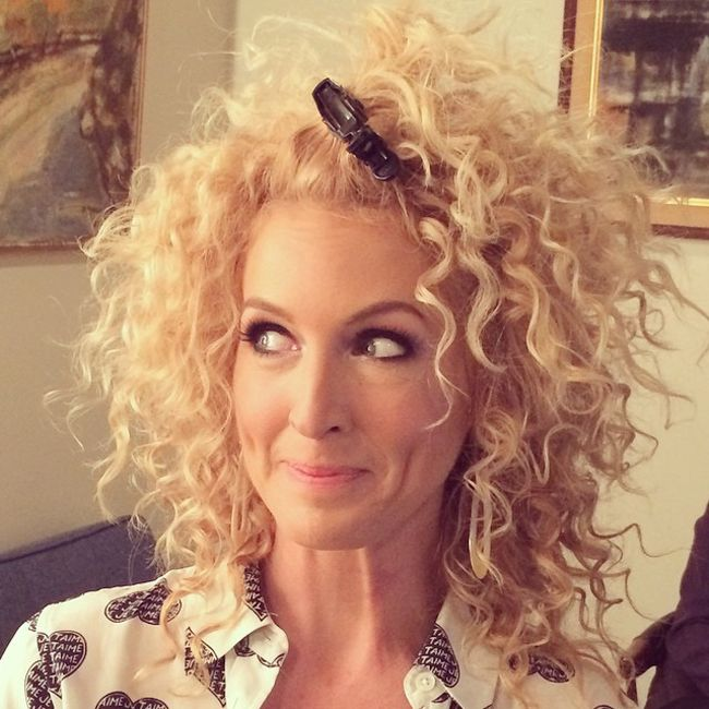 Kimberly Schlapman of Little Big Town talks holy grail products for curly hair... She has beautiful curls!