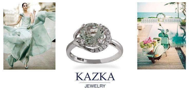 Это золотое кольцо с бриллиантами и кварцем как невесомое облачко окутает вас нежностью. Создано, чтобы любоваться.