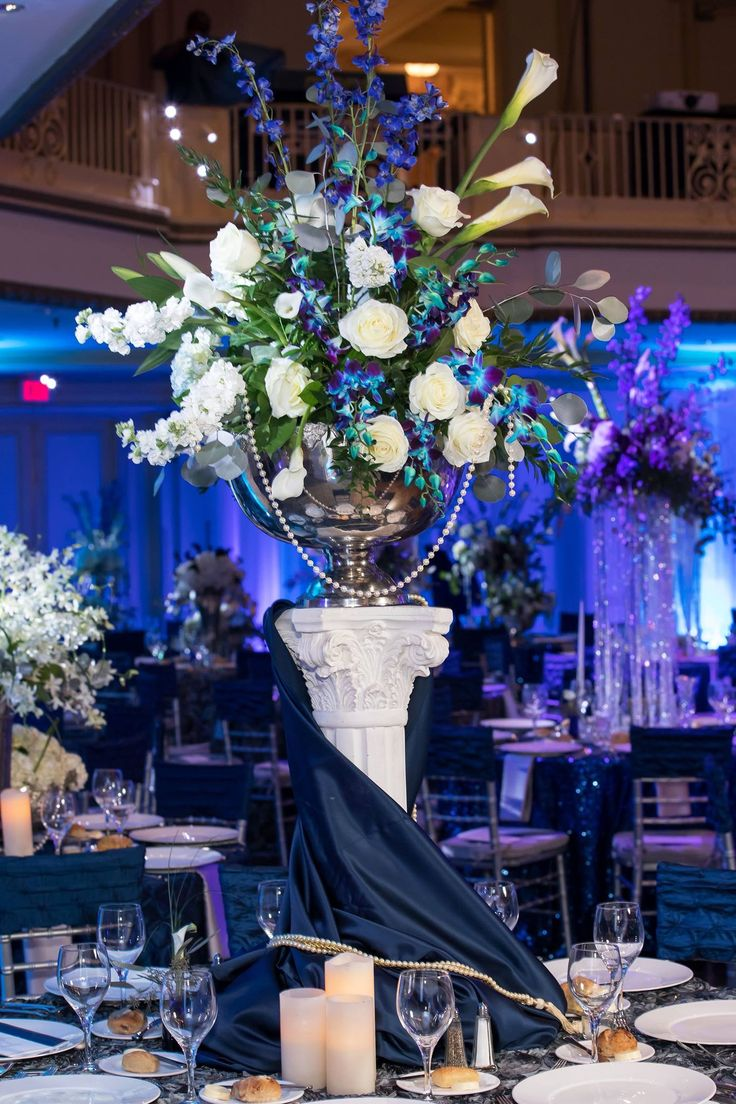 39 best philly pops gala by ten pennies florist images on pinterest beautiful centerpiece at the philly pops gala florist flowers flowershop florals flowerarrangement floralarrangement flowerdelivery flowerdesign izmirmasajfo