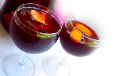 Winter Red Sangria with Pomegranate sounds like a great wedding sangria!
