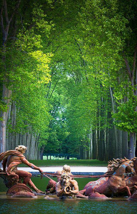 Fuente de Apolo - El Palacio de Versalles es un palacio real en Versalles, en la región de Ile-de-France de Francia.
