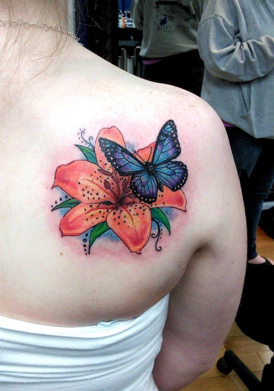 3D Butterfly With Flower Tattoo On Right Back Shoulder