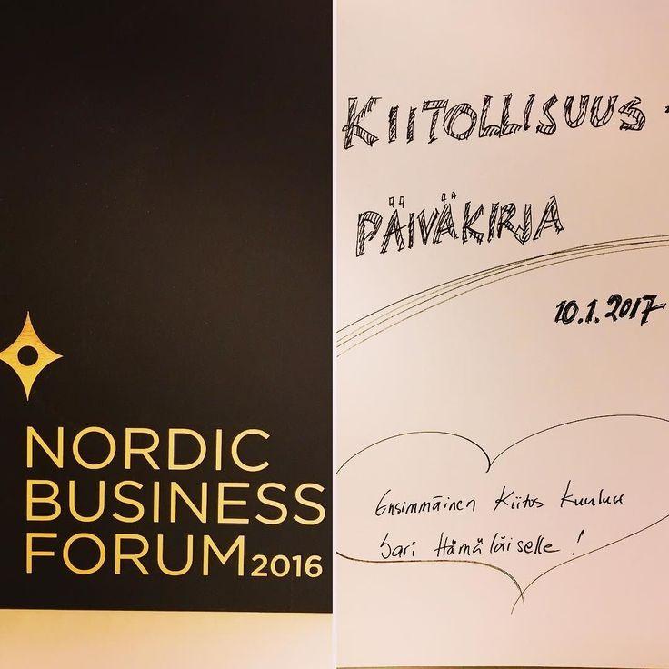Nordic Business Forumista saatu musta muistikirja löysi vihdoin tarkoituksen. Ryhdyn pitämään kiitollisuuspäiväkirjaa. Joka ilta kirjoitan 3 kiitollisuuden aihetta ylös mustaan kirjaan. Katsotaan muuttuuko mikään. Nordic Business Forum antoi paljon uutta sisältöä ja vahvistusta omaan työhön. Nyt parempaa vuorovaikutusta. Kiitos inspiraatiosta ja ideasta loistava ja innostava @sarihamalainen #lifecoach #enneagrammi #nbforum2016 #yrittäjä #järvenpää #digi #futuremarja #somefi
