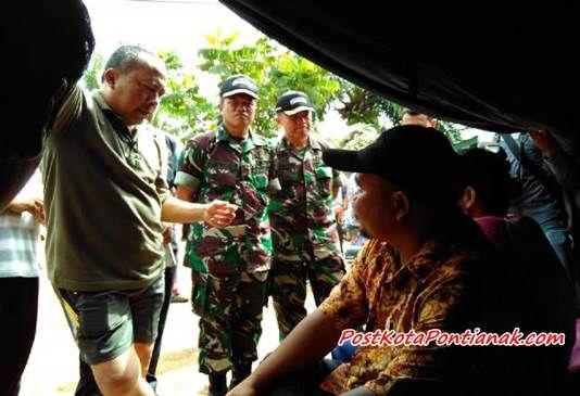 Pangdam XII Tanjungpura Tinjau Eks Gafatar Di Bekangdam. / foto : Devi Lahendra