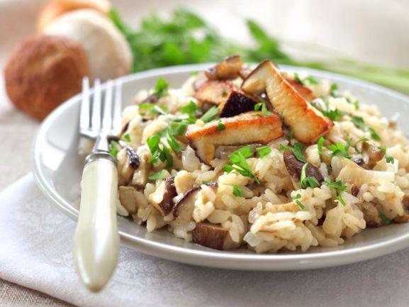 Kalorienarm genießen: Konjak-Reis mit Gemüse http://www.fuersie.de/kochen/diaetrezepte/artikel/diaetrezept-konjakreis-mit-gemuese
