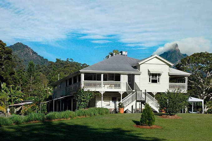Mavis's kitchen and cabins, Mt Warning