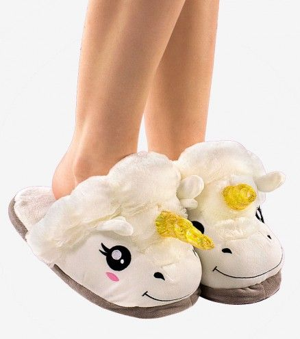 I LOVE & WANT These Unicorn Slippers