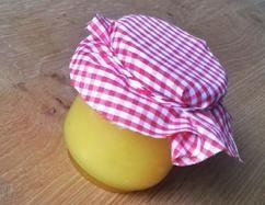 Hmmm, lemoncurd is zelfgemaakt natuurlijk het lekkerste! Serveer 'm deze Pasen bij homemade scones!