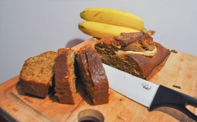 Non mais laissez-moi, manger ma banane ! Bon... Je laisse Philippe Katerine en paix et je vous propose aujourd'hui une recette de banana Bread Healthy. Tou