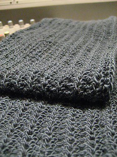 pragueloop: Ribby Crochet Scarf - free pattern