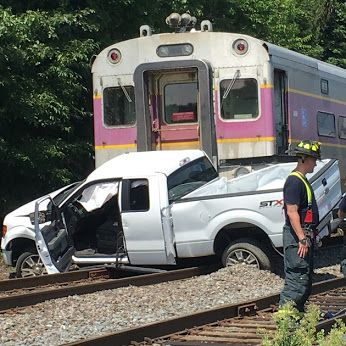 A commuter #train slammed into a pickup #truck that went ...