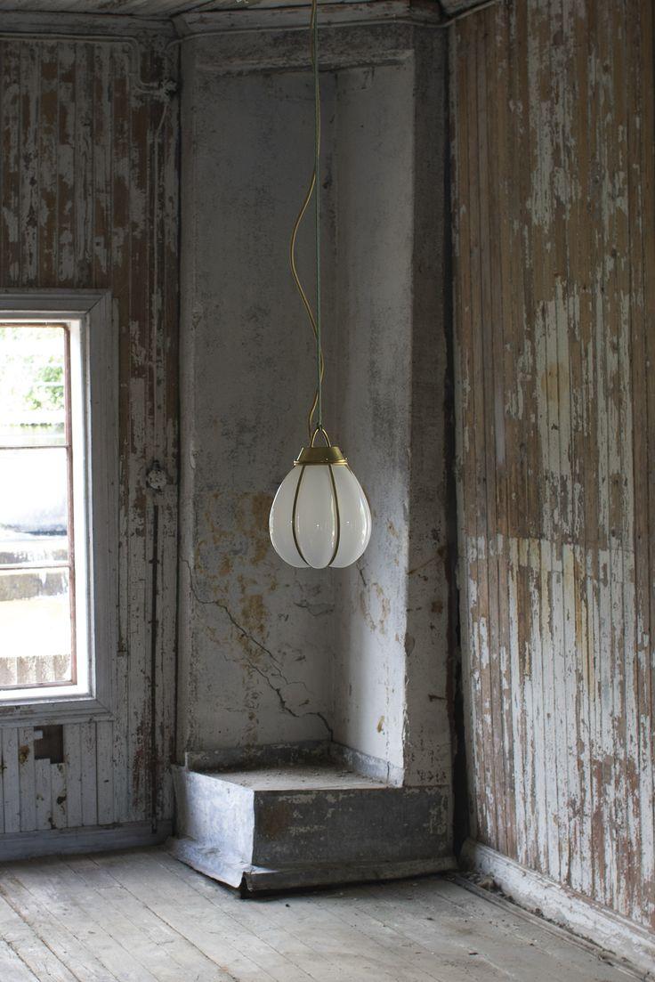 Hobo av Gustaf Nordenskiöld för Örsjö belysning #antikmässing #mässing #handblåstglas