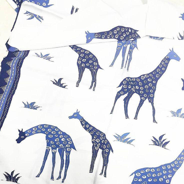Oh my giraffe   #batik #batiktulis #modernbatik #contemporarybatik
