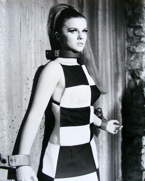 Ann-Margret 1966 (one of the hottest actress during the sixities and seventies, she married another hottie, Roger Moore)