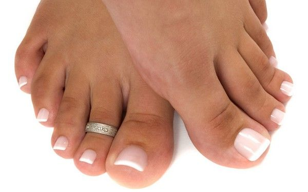 Natural Tips For Pretty Feet