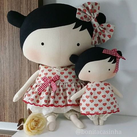 Mamãe e bebê Tilda Toy. 30cm e 17cm Pronta entrega com envio em 10 dias. 195.00 + frete ⏩⏩ ATENÇÃO!!! A roupa da boneca de 17 cm não sai do corpo!! #tilda #babytilda #tildatoys #tildatoy #tildatoybox #sweetheartdoll #quartoinfantilmenina #presentedenatal #natal #quartodebebe #maternidade #tildababy #bonecadepano #bichodepano #festa #aniversario #decoracaofesta #decor #decoracao #handmade #atelie #artesanato #costurices #fofurice #casinhafofa