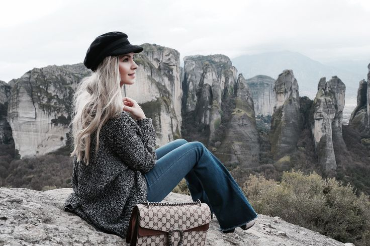 Travel outfit  Flared jeans  Travel look