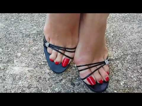 MATURE FEET WITH LONG TOENAILS IN HIGH HEELED SANDALS - YouTube