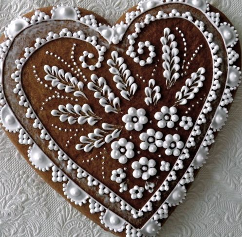 drakota decorated gingerbread