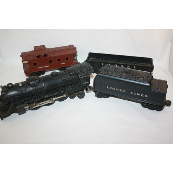 Tyco Brown Box: LIONEL 2026 TRAIN SET LOCOMOTIVE WITH TENDER 2 CARS 027