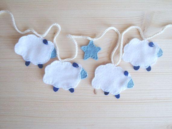 Felt sheep  and star garland. Home /nursery by laLunaCreazioni