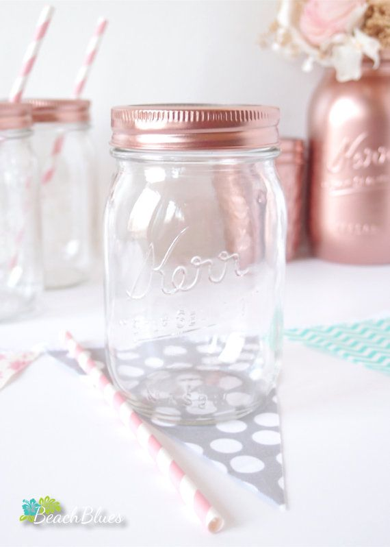 These lovely copper (or gold) painted mason jar lids are the ideal accessory for mason jar glasses. They make any party table colorful and give an