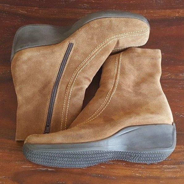 La Canadienne Women's Brown Suede Ankle Boots 15150 Size 7.5 M #LaCanadienne…