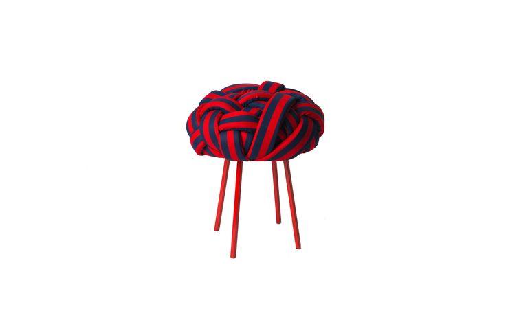 Banco Cloud Azul e Vermelho - Design assinado por Humberto da Mata | Móveis e objetos de design assinado - Entrega em todo o Brasil | muma.com.br