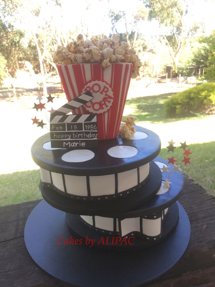 Movie buff cake, loves popcorn