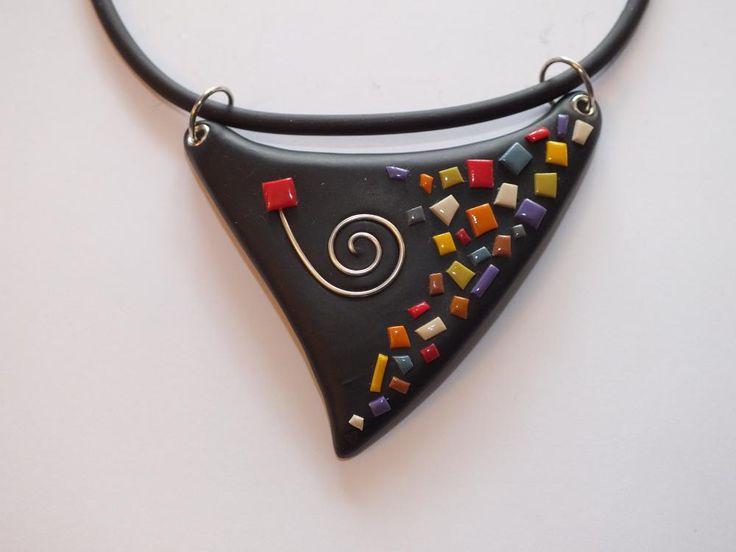 Collier triangle multicolore (Mosaique) - Vente en ligne de bijoux fimo