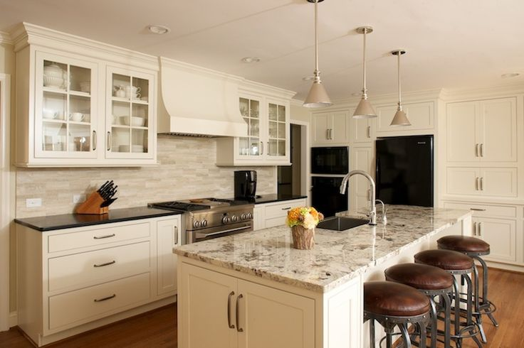 The 25 best ivory cabinets ideas on pinterest ivory for Ivory kitchen ideas