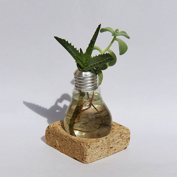 Suit-Case workshop LAMPA I- hand made, upcycled, recycled, light bulb and construction waste vase