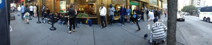 OK, This iPhone 5 Panoramic Picture Of An iPhone 5 Line Is Pretty Cool    Read more: http://www.businessinsider.com/ok-this-iphone-5-panoramic-picture-of-an-iphone-5-line-is-pretty-damn-cool-2012-9#ixzz276jTqjIp