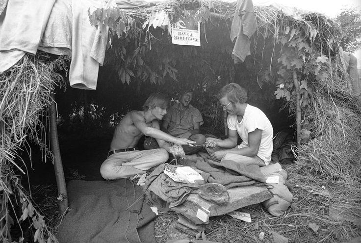Les drogues récréatives n'étaient pas rares non plus. | 31 images qui témoignent de la folie de Woodstock