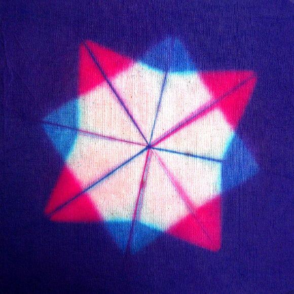Shibori: Itajime Con Maderas Triangulares Y 2 Teñidos