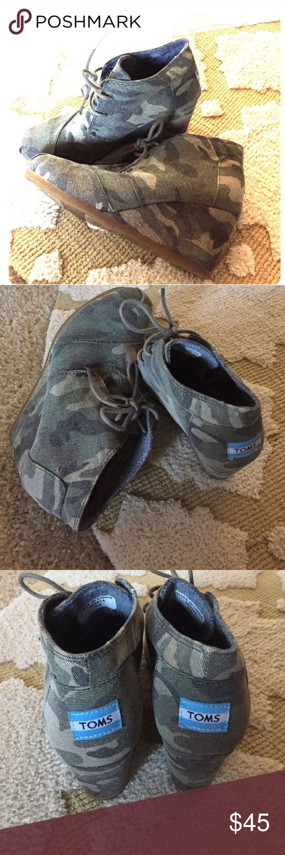CAMO toms -SZ 6! Excellent condition. No signs of wear. Worn once. Super cute camo pattern! TOMS Shoes Ankle Boots & Booties