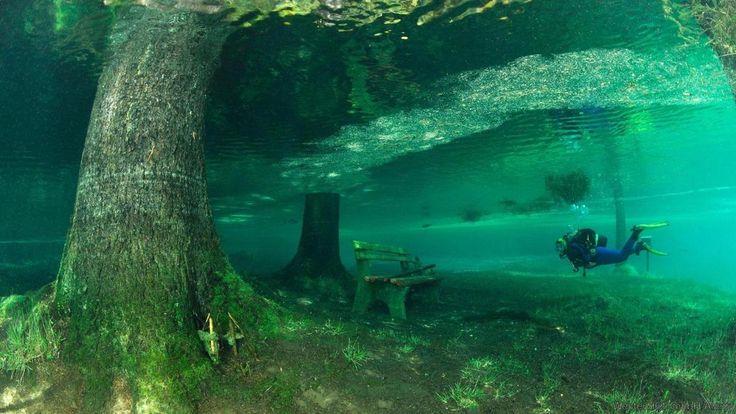 """Green Lake, """"Une merveille de la nature"""" en Autriche"""