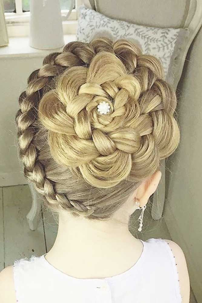 best 25 flower girl hairstyles ideas on pinterest girl hair communion hairstyles and updos. Black Bedroom Furniture Sets. Home Design Ideas