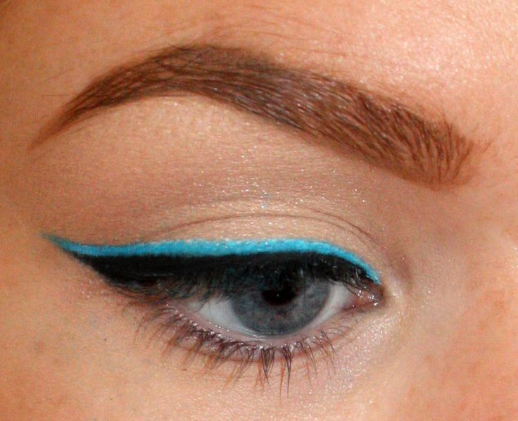 Awesome double-liner tutorial. Combine with the tape trick for super easy, super dramatic look.