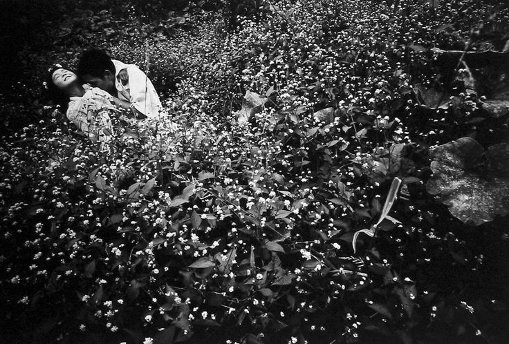 Deeply involved in the postwar Japanese unrest, soon after World War II Toshihio Hosoe decided to change his name to Eikoh, willing to symbolise a new Japan being born. Intrinsically linked to...