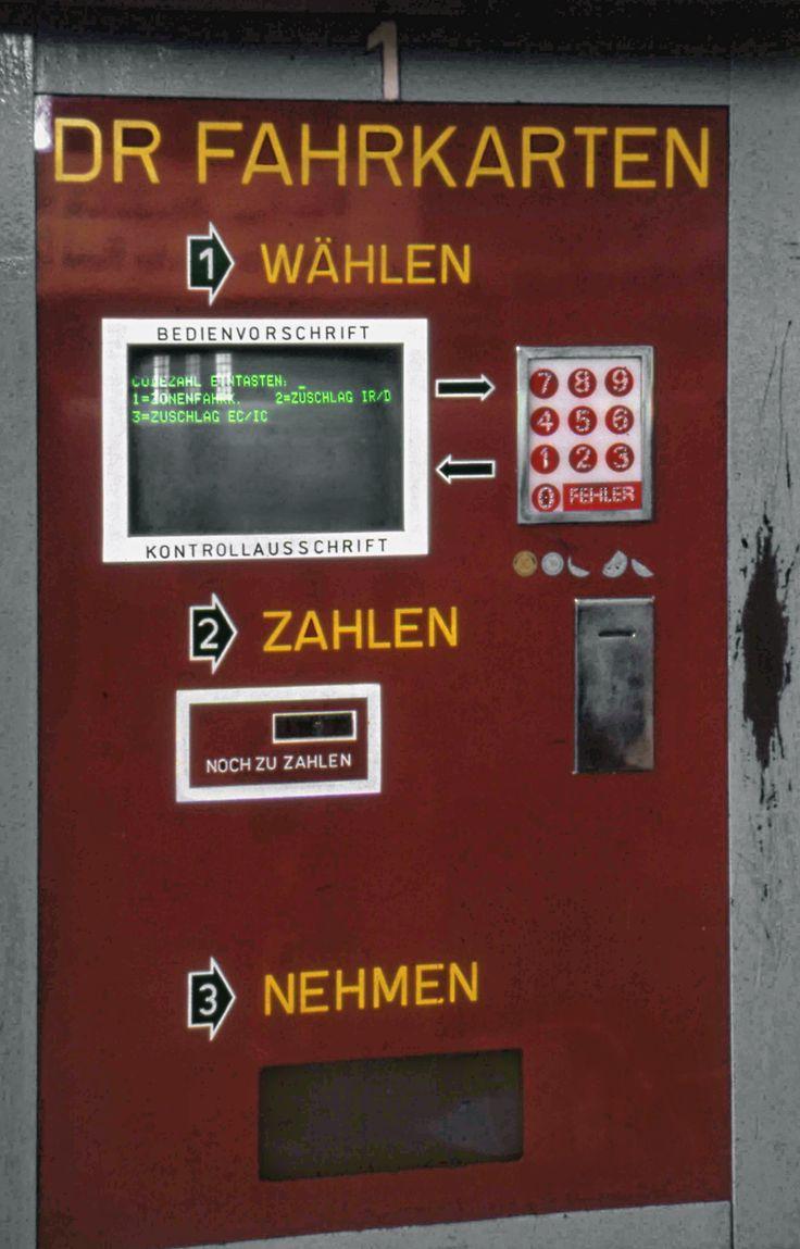 Fahrkartenautomat._Deutsche_Reichsbahn_ticket_issuing_machine,_July_1993_Leipzig-1.