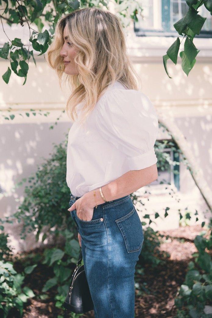 POWEPUFF PUFF ARMS Mørkeblå jeans og hvite skjorter er alltid en vinner. Jeg liker å leke meg med hvite skjorter med forskjellige detaljer som gir antrekket et lite løft! Blusen med store puffermer er en stor favoritt om dagen! Jeg fant den blant nyhetene på Zara her om dagen. L.O.V.E
