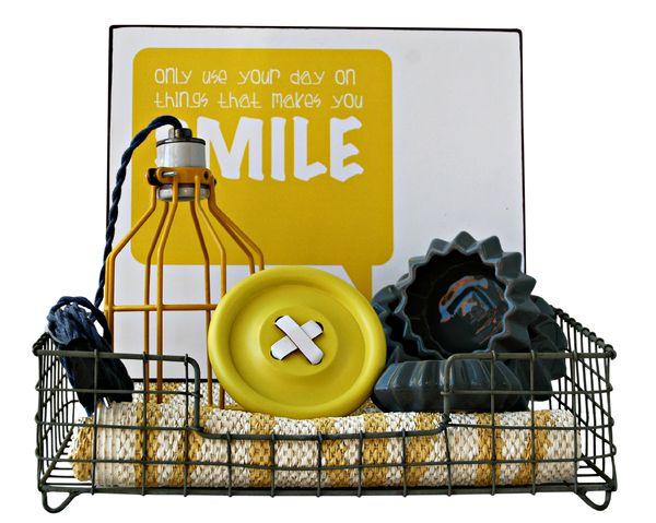 Cesta De Regalo TOD YELLOW SMILE