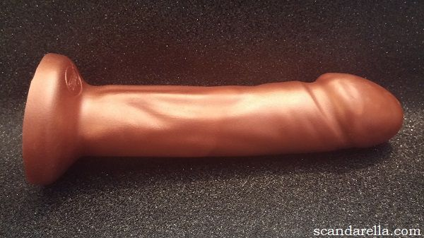 It's time for another Tantus review! Seriously, the way I behave when it comes to Tantus dildos you'd think they gave me orgasms. Oh, wait…they do! At the moment, Tantus are retiring some of their old products and replacing them with snazzy updated versions. For their new dildos, the releases so far have been in …